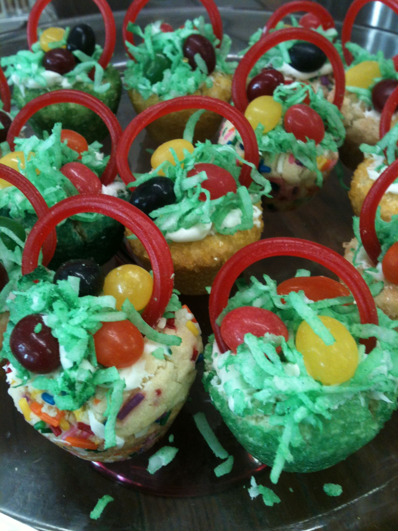 Sugar cookie Easter baskets | Easter sugar cookies, Easter ...