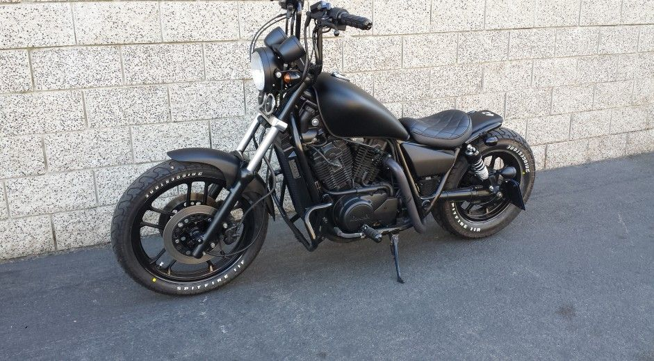 Pin By Dano Fermoyle On Bobbers Bar Hoppers Honda Shadow Shadow Bobber Honda Shadow Bobber