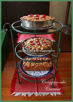 http://corgyncombecourant.blogspot.co.uk/2015/12/st-nicholas-day-dundee-cake-and-tasha.html