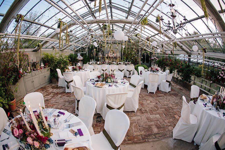 Alte Gaertnerei Hochzeit In Einer Traumlocation In Fotograf In Munchen Gewachshaus Hochzeit Hochzeit Wald Hochzeitlocations