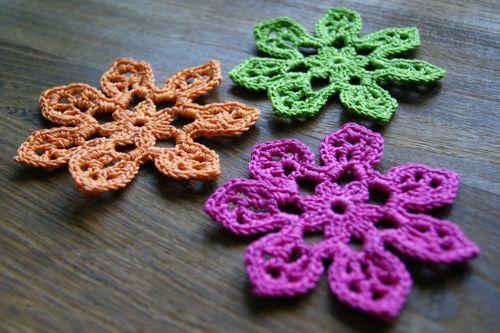 Free tahiti blossom flower crochet pattern crochet flowers leaves free tahiti blossom flower crochet pattern dt1010fo