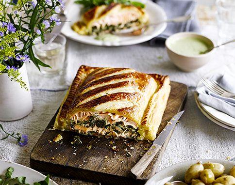 Salmon en croute with watercress sauce Healthy Gourmet - küchenmaschine jamie oliver