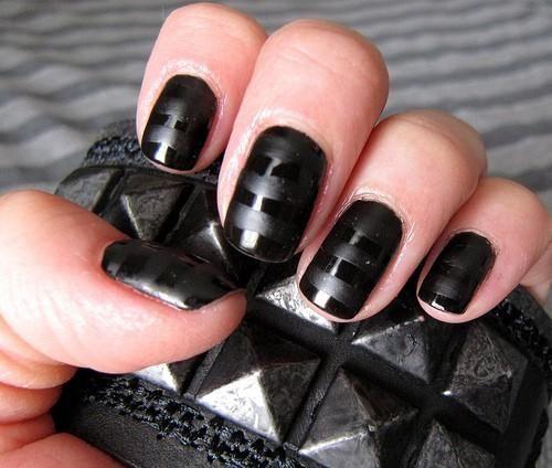 black-black nails
