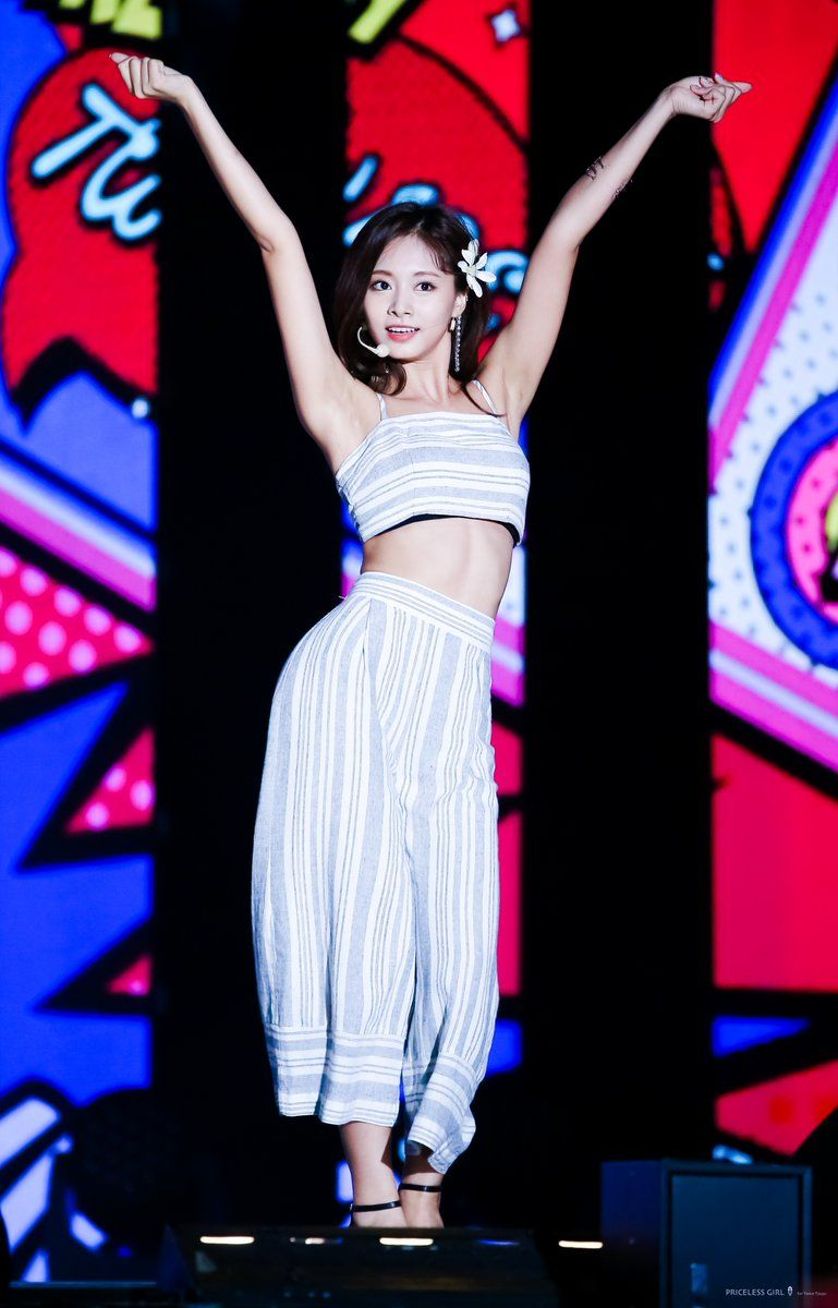 Priceless Girl On Stage Outfits Kpop Girls Fashion