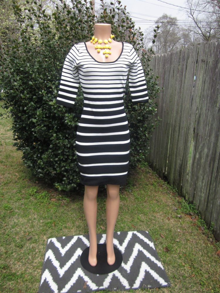 BETSEY JOHNSON White Black Stripe Knit Dress NWOT 6