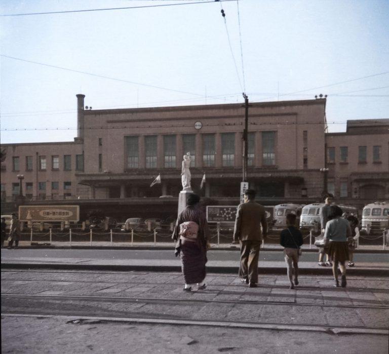 東京の上野駅 戦後の日常を写した写真をカラー化  COLOR LEARNING