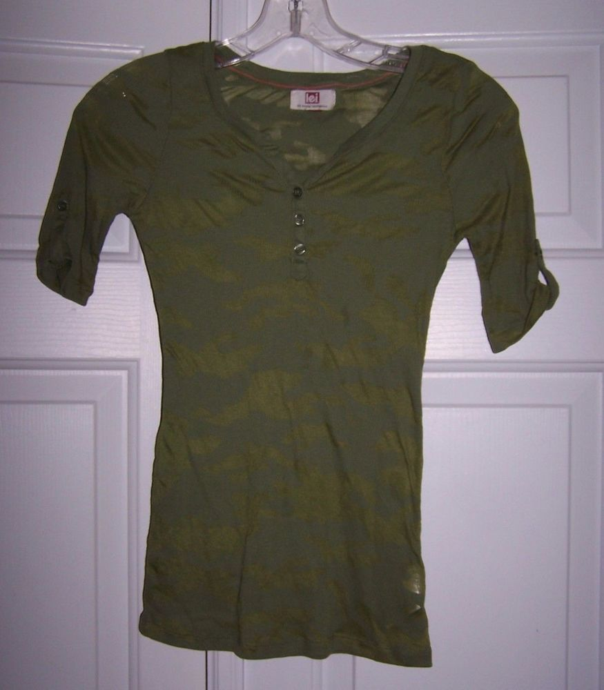 L.E.I. Junior Top S Camo Pattern Short Sleeve Semi-Sheer 1/2 Sleeve Ribbed Knit  #lei #KnitTop #Casual