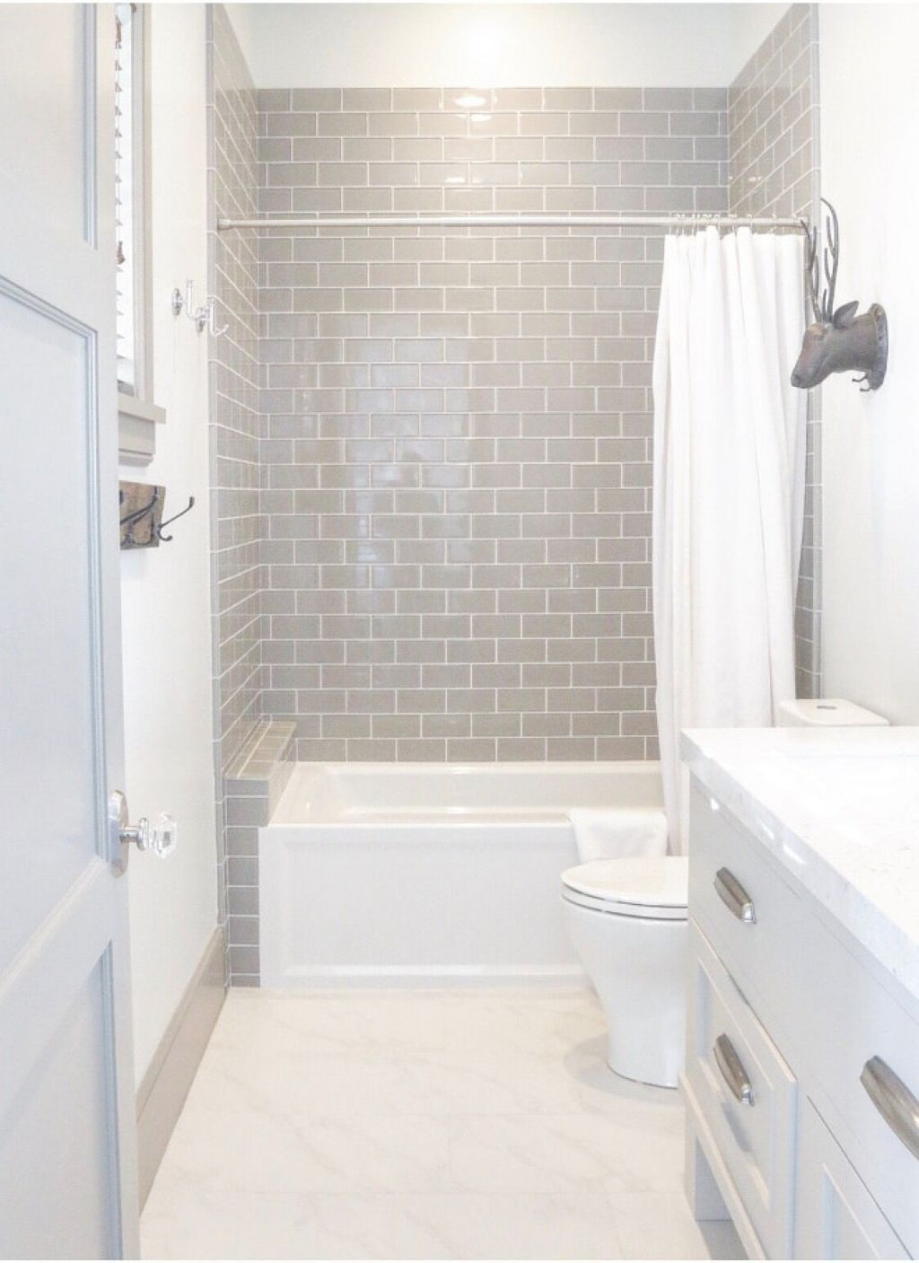 Awesome 60 Awesome Small Bathroom Remodel Ideas https://homeideas.co ...