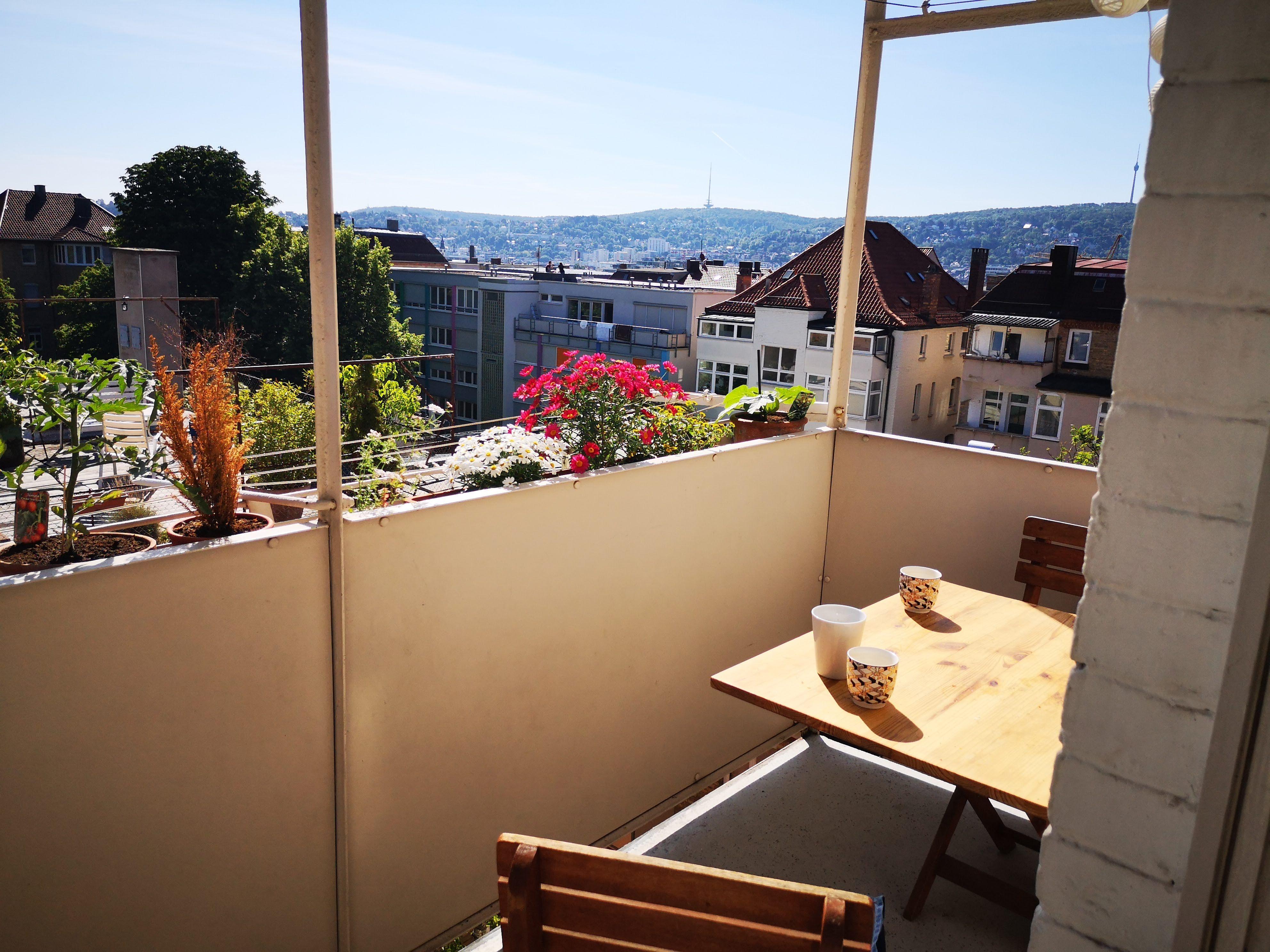 Blumiger Balkon Mit Aussicht Moderne Bader Altbau Aussicht