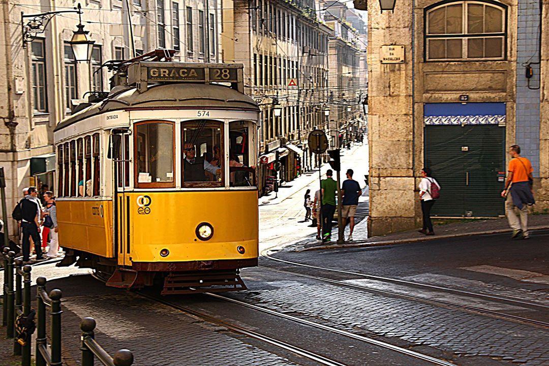 AS DE MAIOR IMPACTO (http://on.fb.me/1kNfFLL) ►16/04/2014 • Rua da Conceição - Lisboa • Photografica (http://on.fb.me/1hSNw7C)
