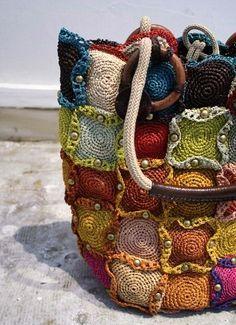 Cosa fare con le palle di lana rimanenti? - The Thousand Mailed Trunk
