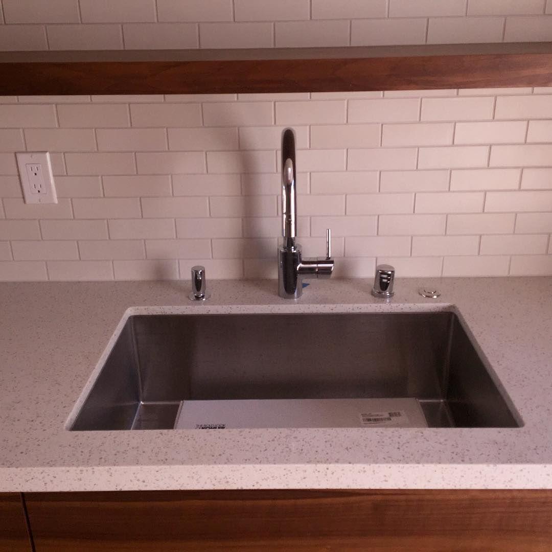 Kitchen Sink Yang Bagus Merk Apa: Modern Minimalist Stainless Steel Kitchen Sink