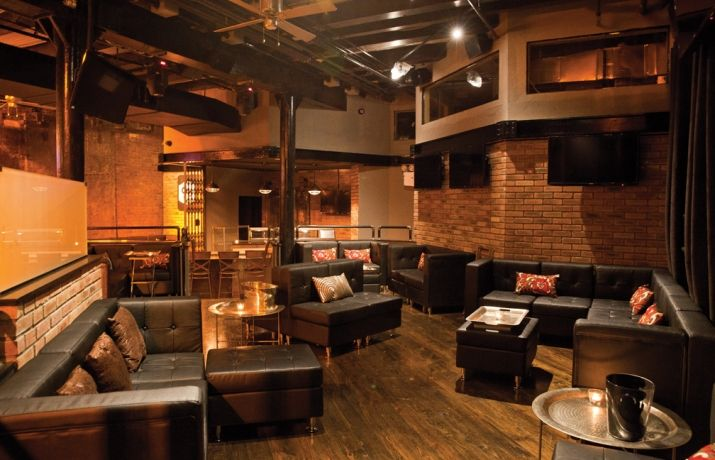 9A West Harlem | Be a part of the new renaissance taking place in Harlem at 9A Kitchen & Lounge, featuring sexy industrial chic décor in a historic building. Photo courtesy of 9A Kitchen and Lounge. www.greatplacesdirectory.com #nyvenues #greatplacesdirectory