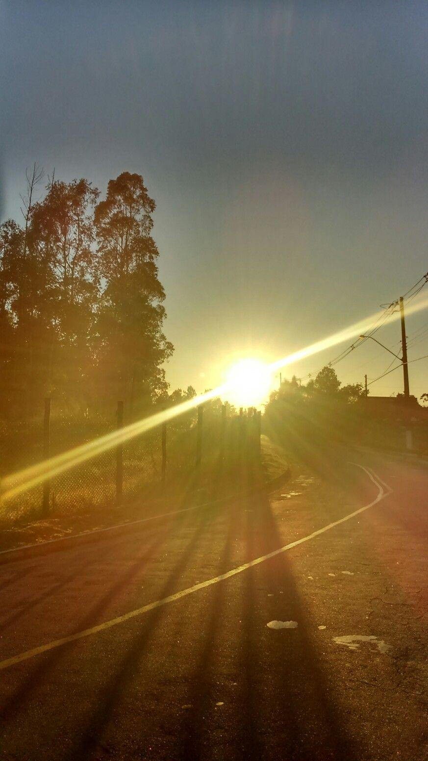 Caminhando no campo às 6:30hs.