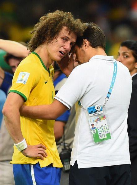 Você tem a vida toda pela frente David  Luiz, ainda vai conseguir muitos títulos!