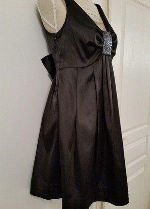 À vendre sur  vintedfrance ! http   www.vinted .fr mode-femmes robes-de-soirees-and-cocktails 25584260-robe-noire -yumi-belle-qualite 15405c55ae8b