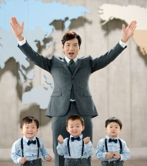 Daehan Minguk And Manse Don T Look Identical Yet They All Resemble Their Father Song Il Which Triplet Looks Most Like Actor Dad