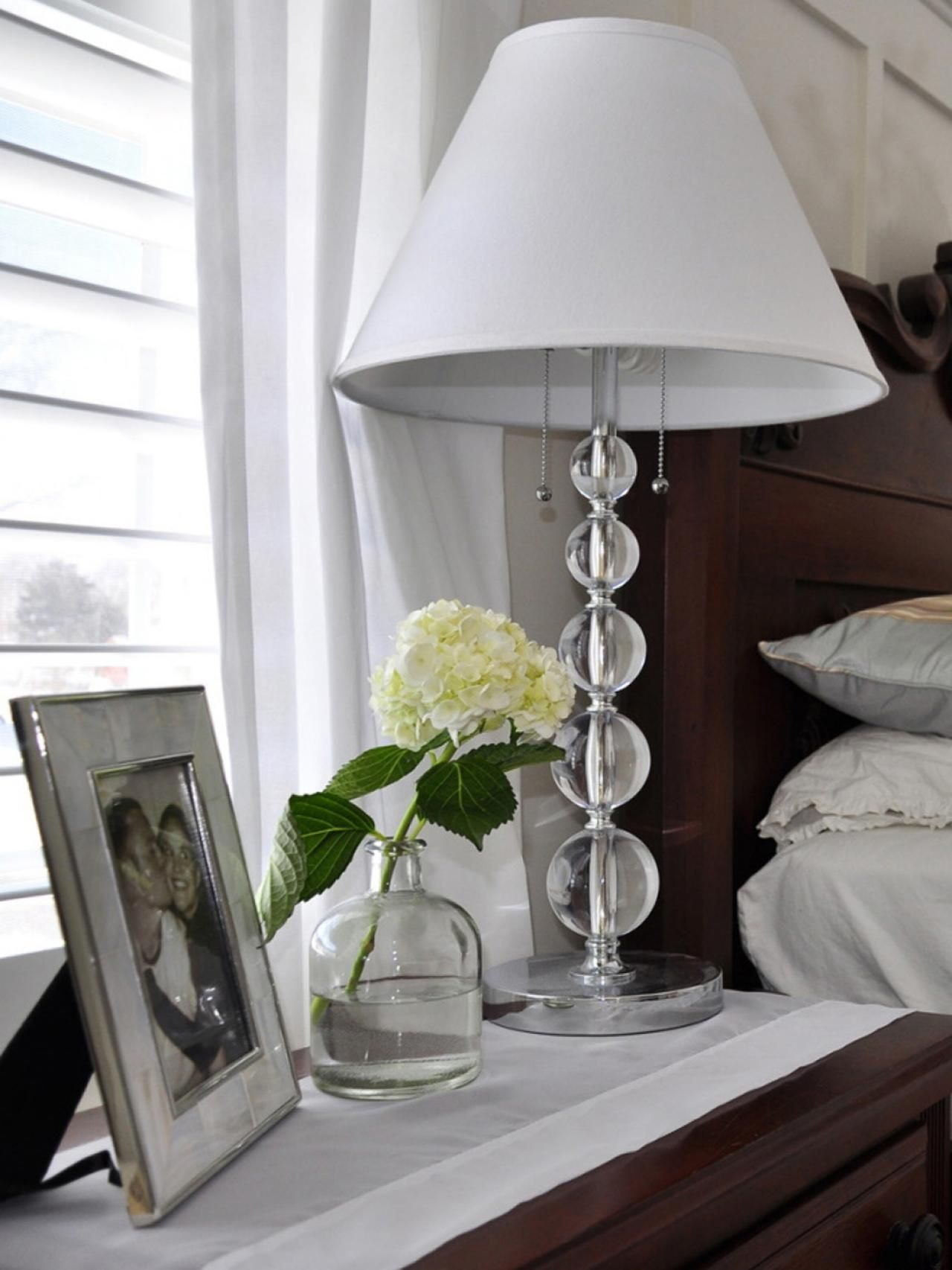10 Ways to Display Bedroom Frames | Its always, Happy and Bedside lamp