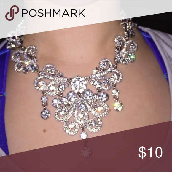 Crystal costume jewelry Beautiful Crystal jewelry perfect for a fancy evening Unknown Jewelry Necklaces
