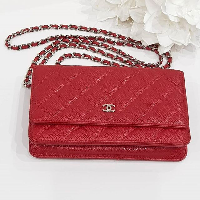 1900 wire. Preloved Red Caviar Chanel Wallet on Chain Shw