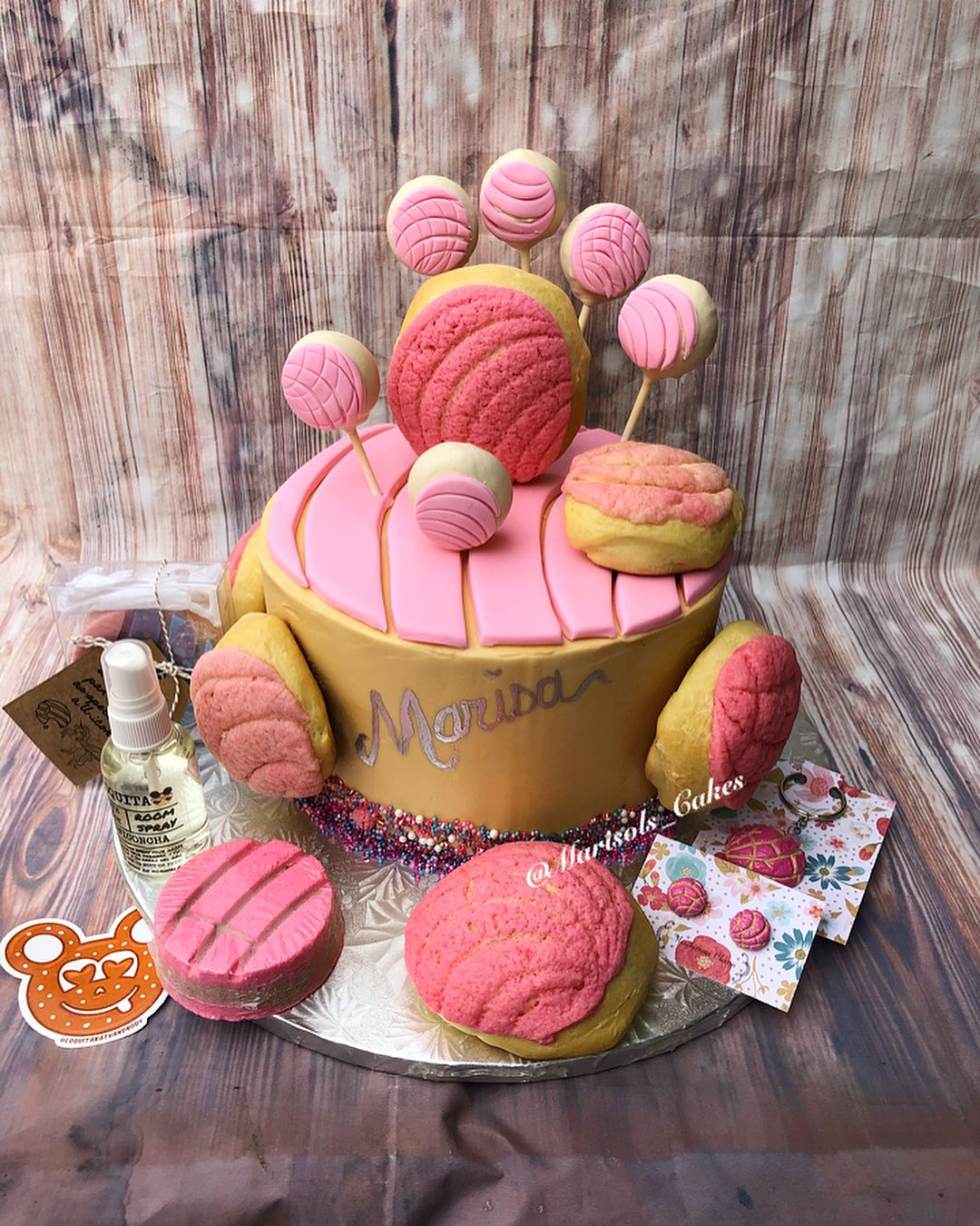 Concha Cake With Conchas And Pops Pan Dulce ConchaCake ConchaCakePops
