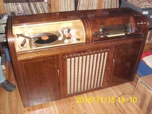 Saba Musikschrank Schallplattenspieler Radio Ca 50er Jahre In Saarbrucken Schallplattenspieler Schallplatten Hifi