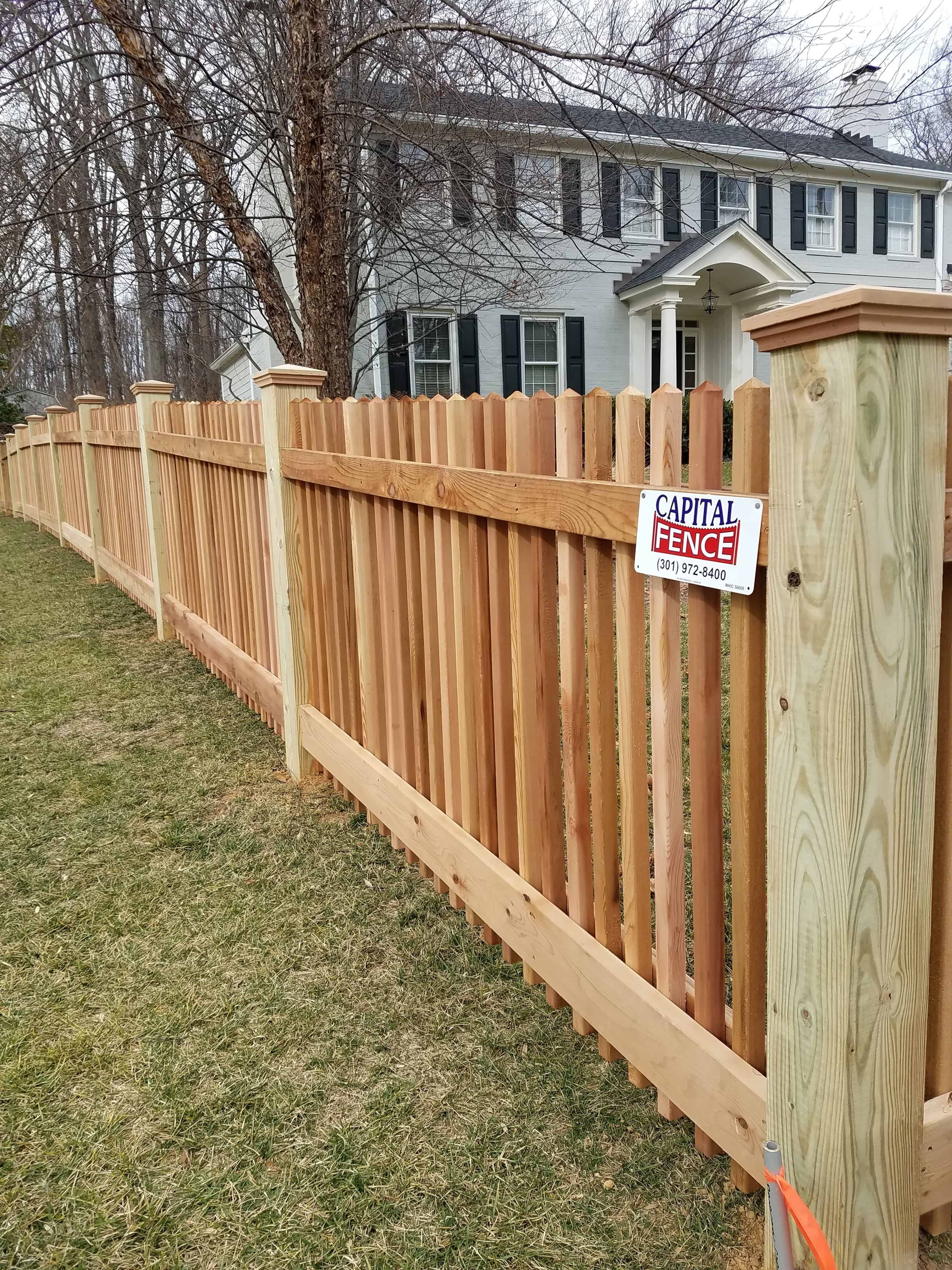 30 Tricks How To Upgrade Wood Fence For Any Backyard Simphome In 2020 Backyard Fences Backyard Wood Fence