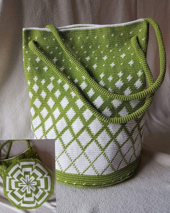 "Photo of Ines Koß-Pretzel auf Instagram: ""#crocheters #crochetersofinstagram #crochetbags #tapestrycrochetbag #tapestry #greenandwhite # crochet power happy # crochet # crochet bag …"""