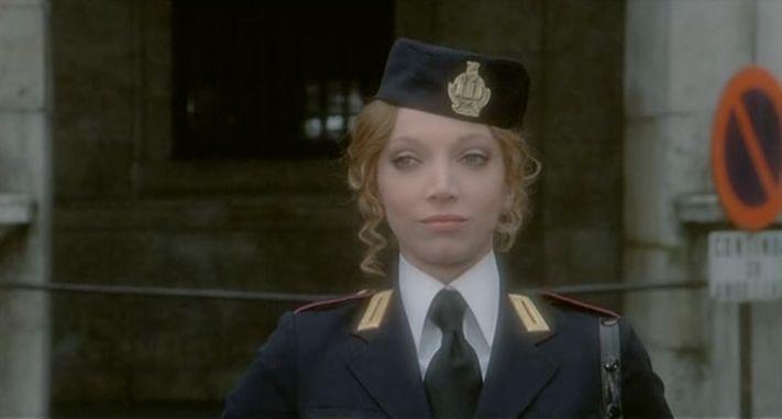 """Mariangela Melato in """"La poliziotta"""" di Steno (1974)"""