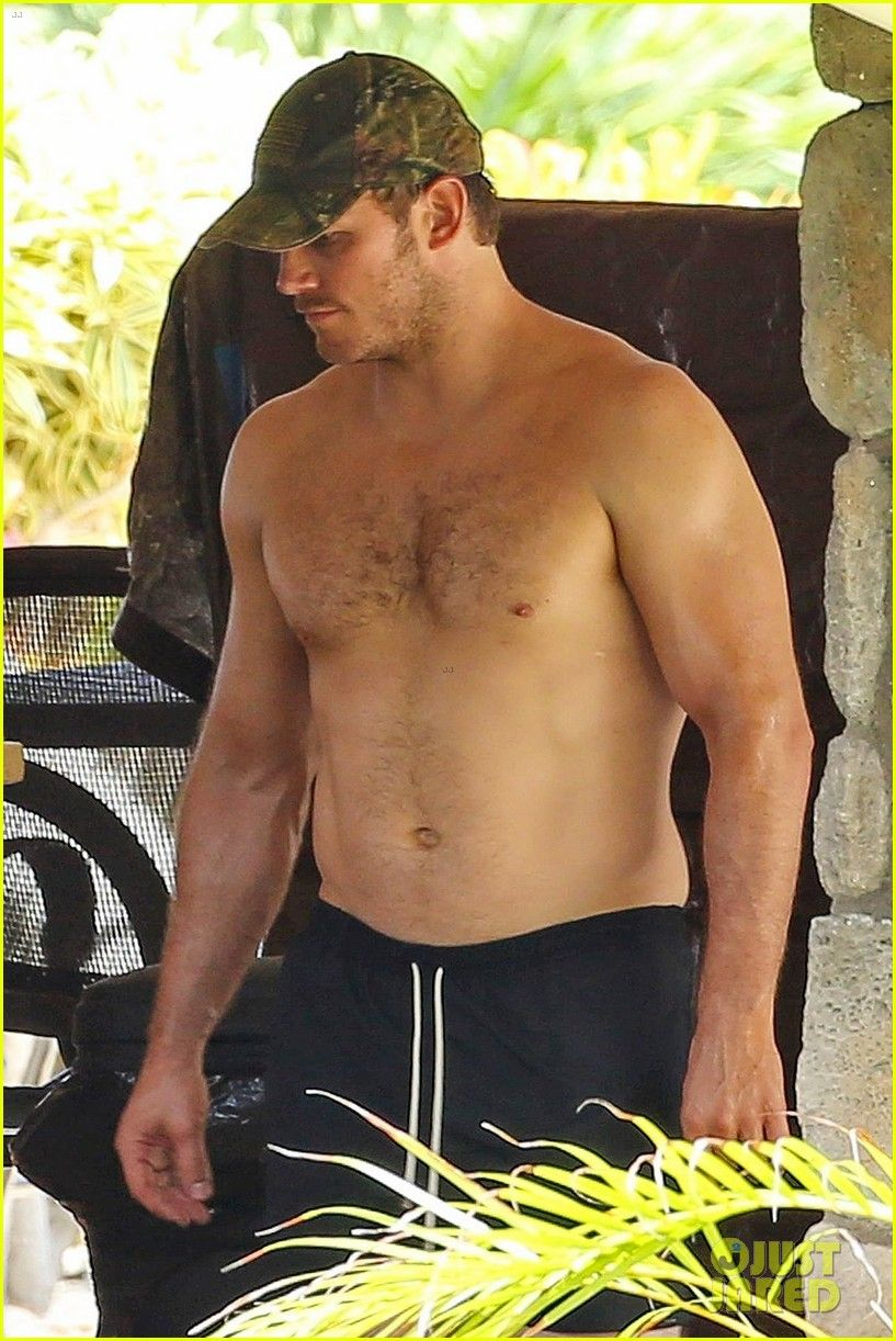 Chris Pratt Goes Shirtless, Shows Off His Hot Body in ...