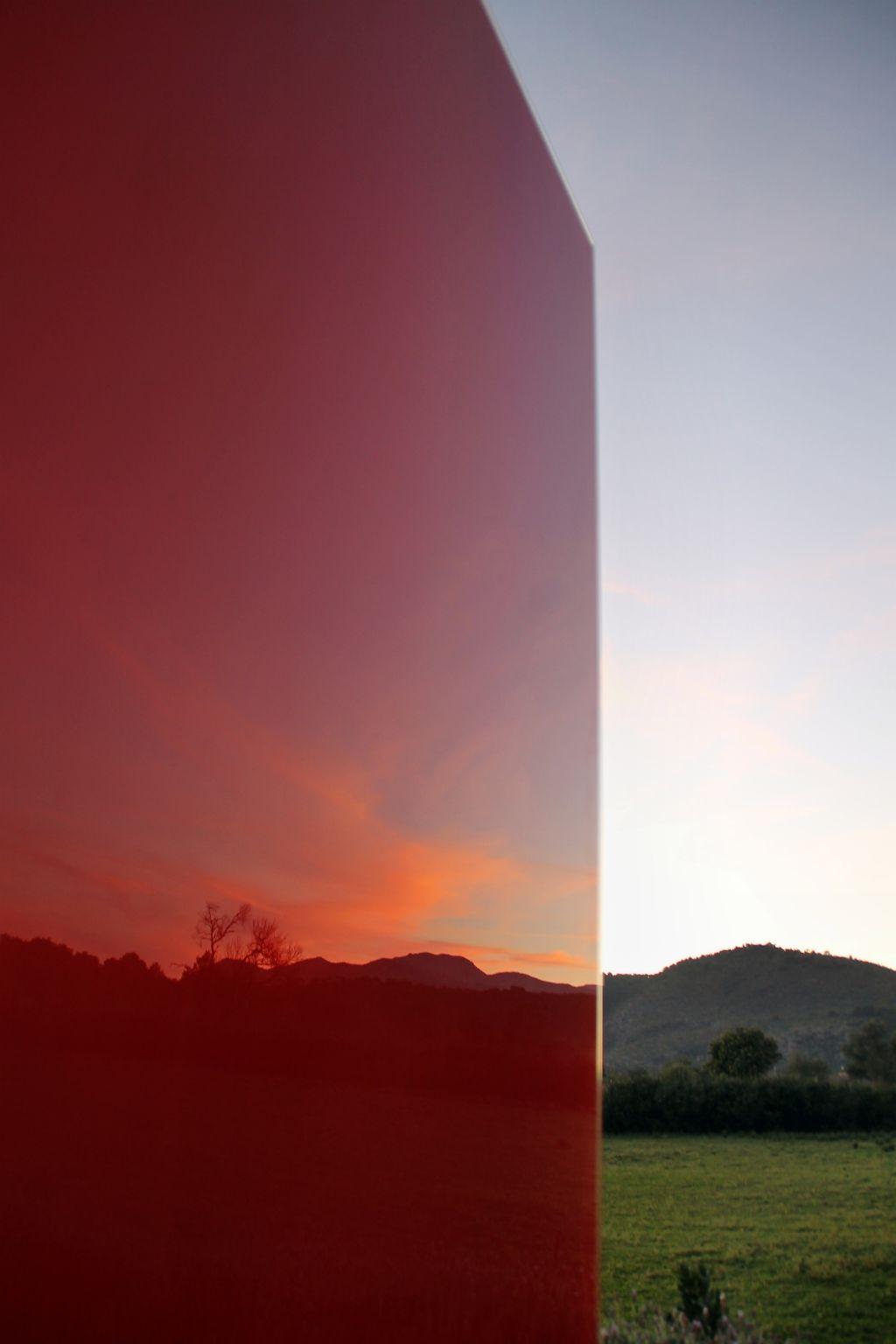 Knumox® Glas Stele für den Garten in (rot) Malve