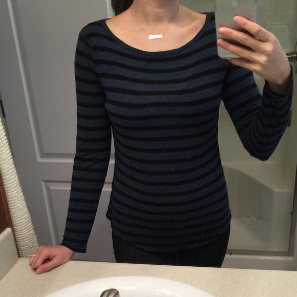 Loose long sleeve Loose fitting long sleeve top. Very light and perfect for layering. Only worn a couple of times! Joe Fresh Tops Tees - Long Sleeve