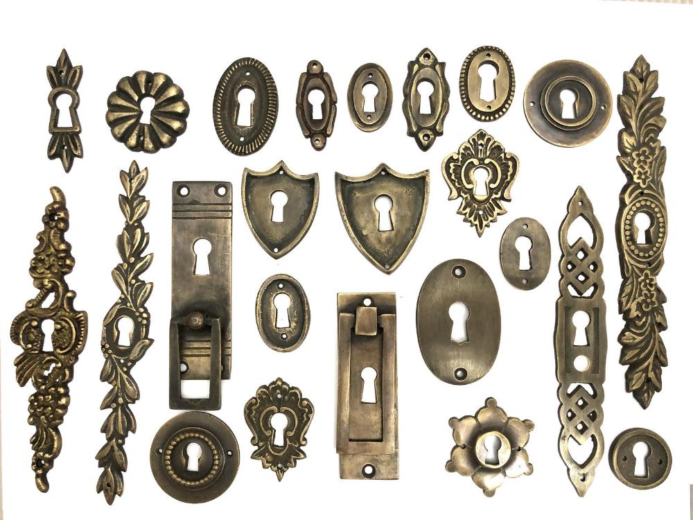 5 X Vintage Escutcheon Victorian Keyhole Cover Antique Key Etsy In 2021 Keyhole Covers Antique Keys Antiques