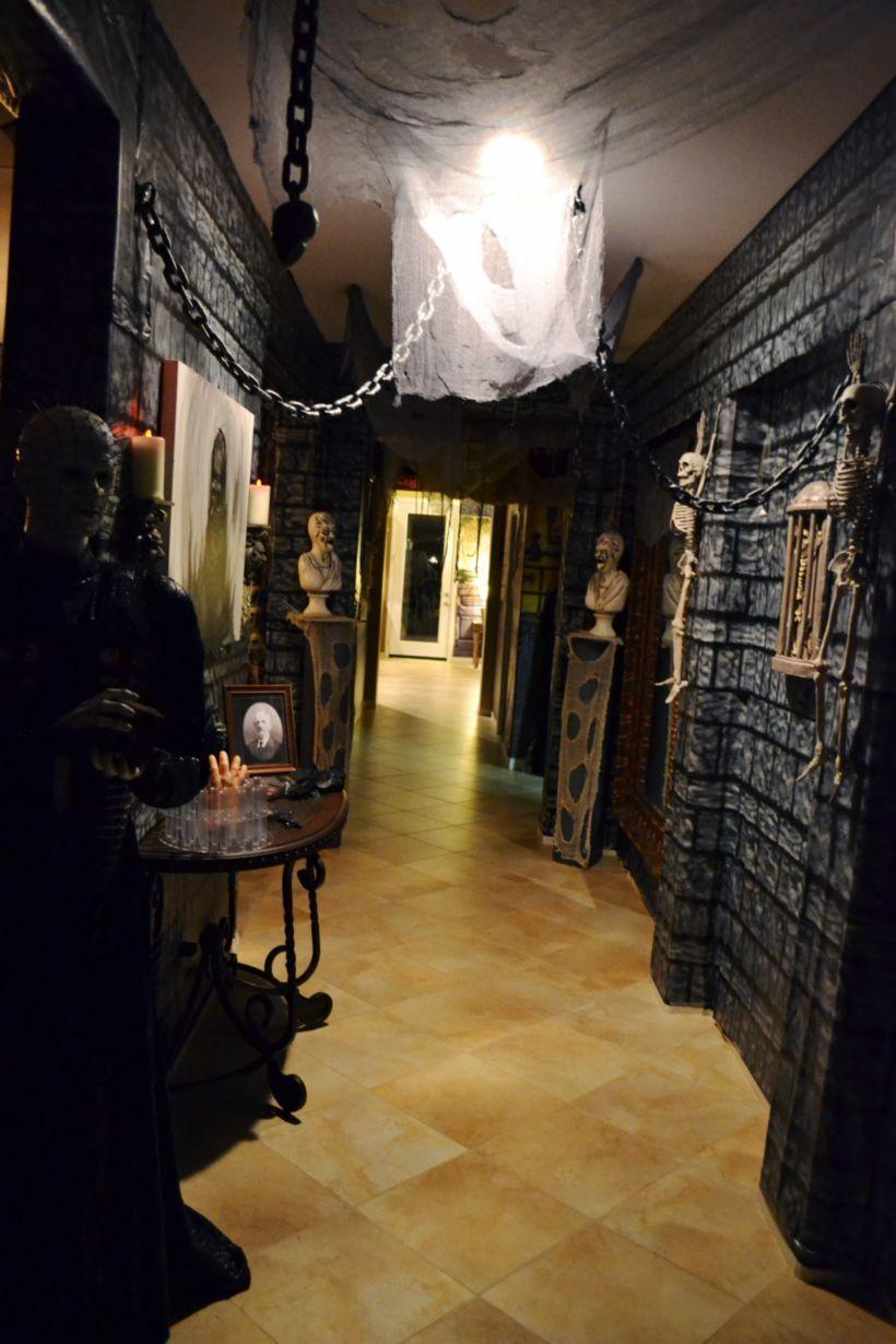55 Awesome Halloween Indoor Decoration Ideas ROUNDECOR