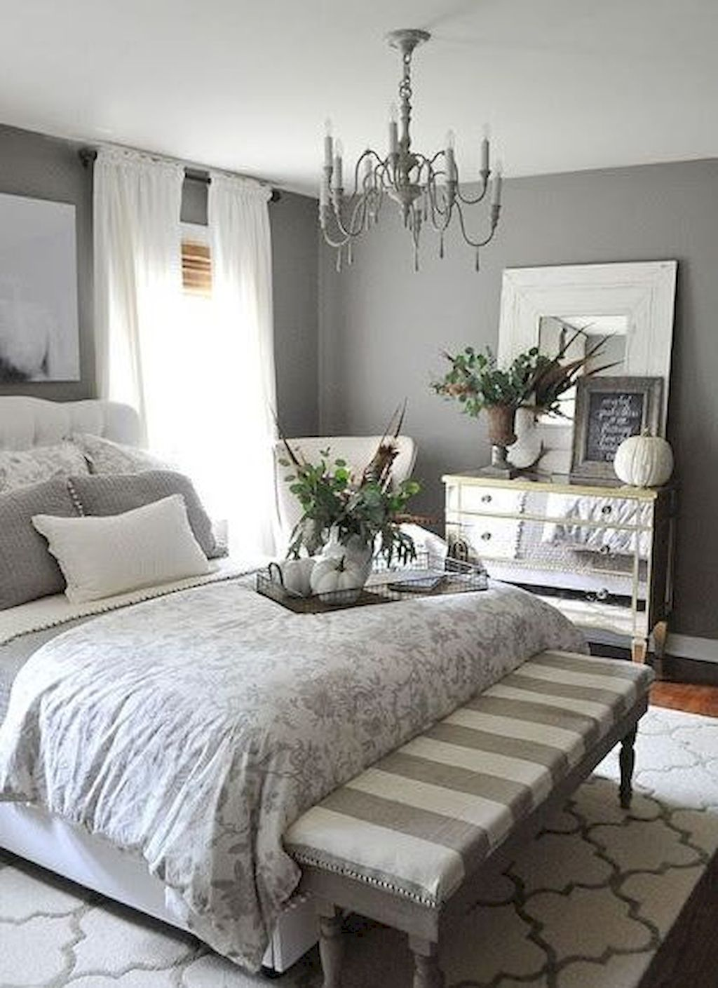 35 Farmhouse Master Bedroom Decorating Ideas Small