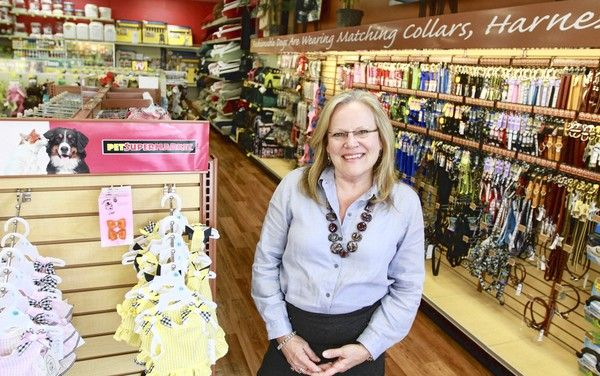 Pet Supermarket S Diane Holtz Is The Top Women Leader In Florida Women Fashion Business Women