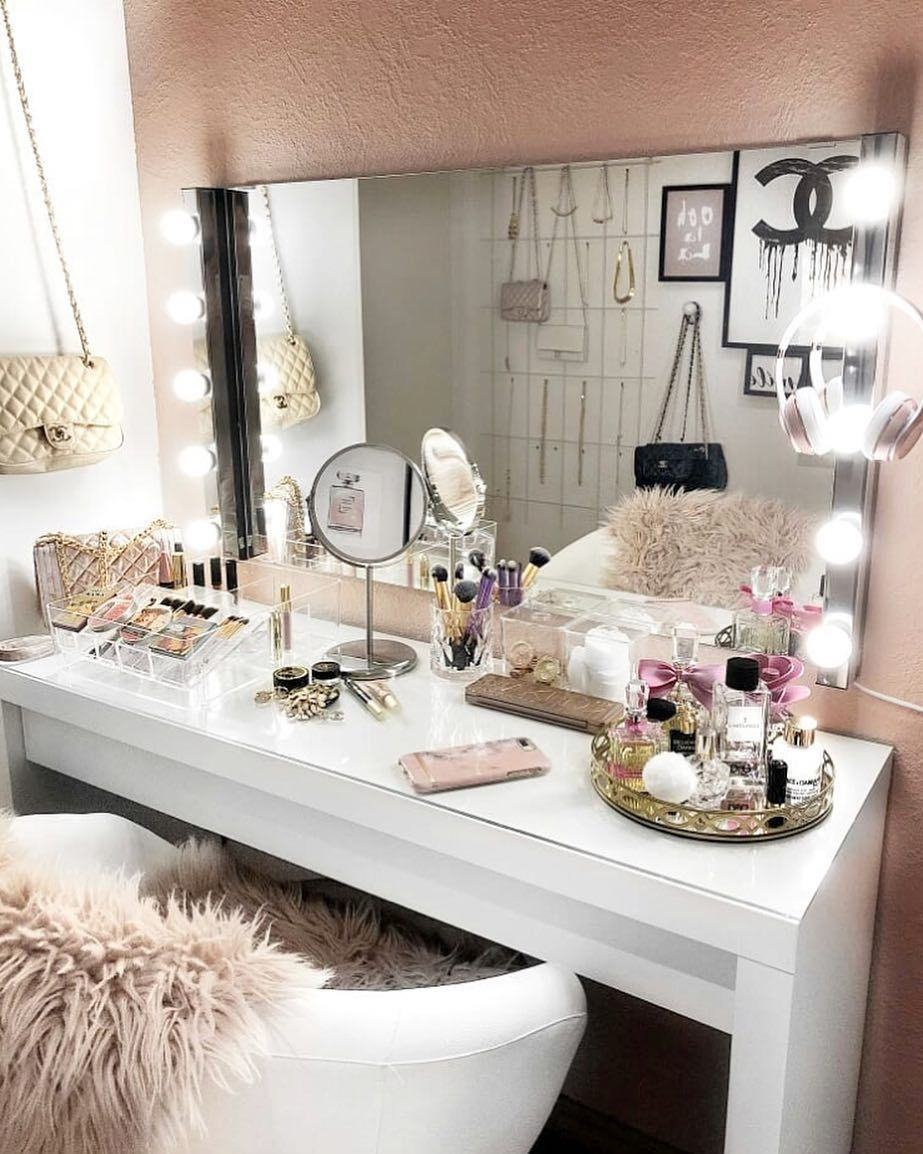 20 Inspirational Home Office Decor Ideas For 2019 Stylish Bedroom Room Inspiration Glam Room