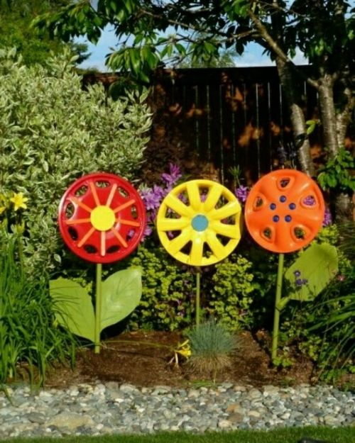 Gartendekoration Selber Machen   Garten Dekoration Selber Machen  Gigantische Blumen Autoteile