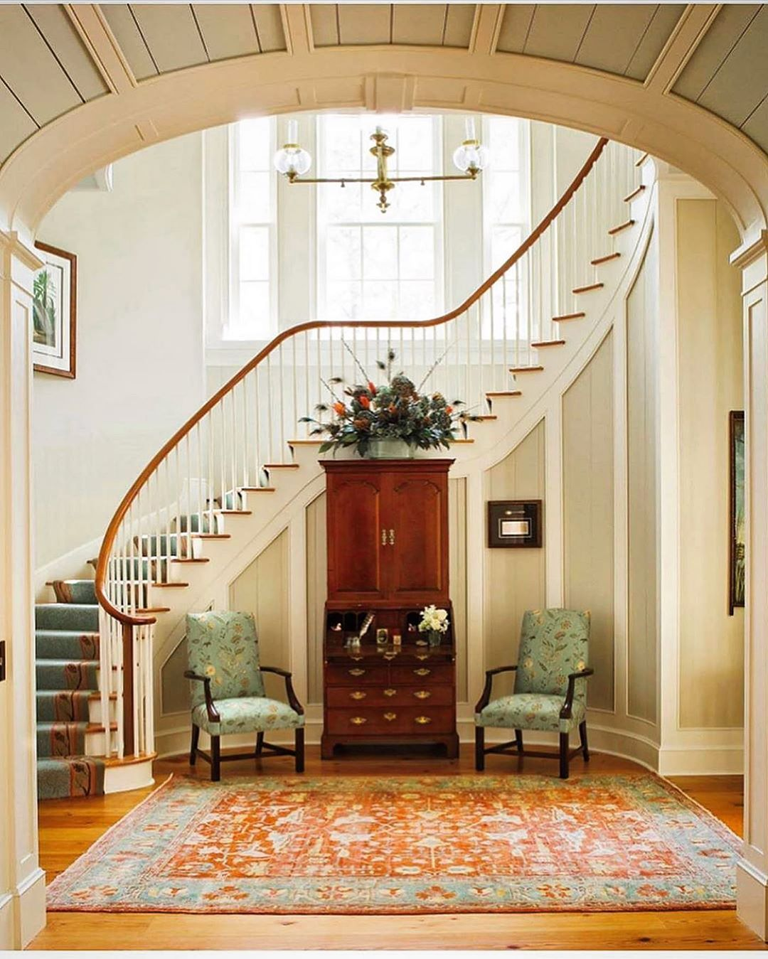 20 Excellent Traditional Staircases Design Ideas: Visit Our Website For The Latest Home Decor Trends