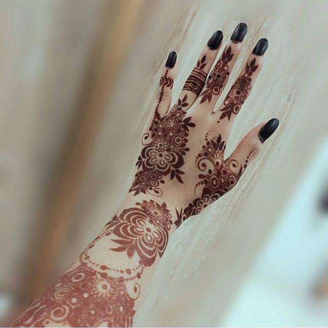 اكتب شی تؤجر علیه شرايكم بالنقش Abaya Show ماركات اوريجنال طبق الاصل Emaratiya Mall Unique Mehndi Designs Dulhan Mehndi Designs New Mehndi Designs