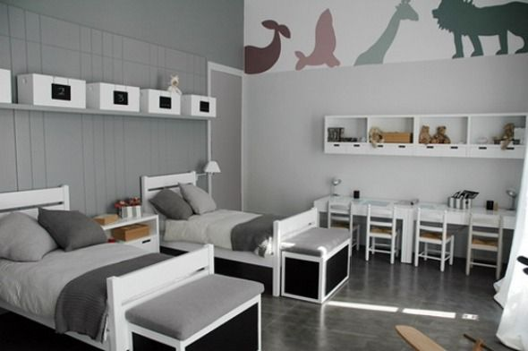 Simple And Cheerful Kids Room Design Idea With Animal Wall Paper