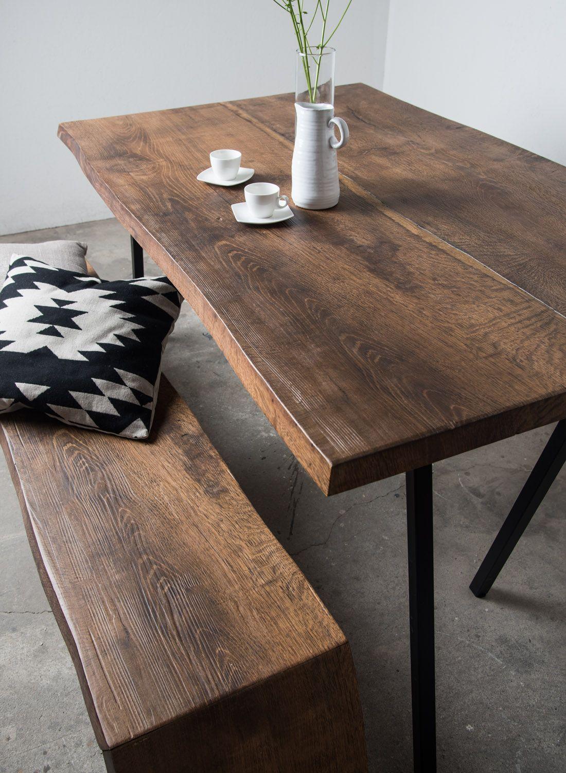 Altholzdesign Tisch mit edler, dunkler Färbung von SUNWOOD