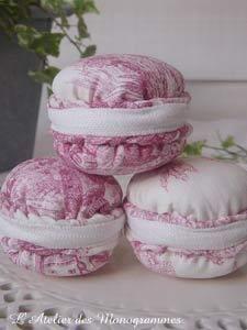 Macaron tissus Toile de Jouy