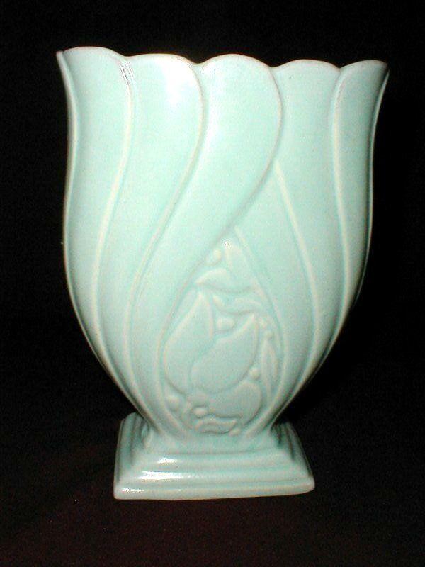 Brush Mccoy Art Pottery Matte Green Tulip Vase Rare 1948 Mccoy