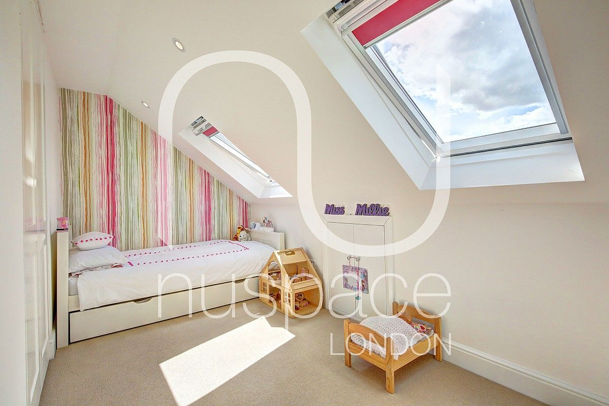 Split Single Rear Mansard Loft Conversion In Battersea To Create Two Bedrooms Loft Conversion Two Bedrooms Loft Conversion Bedroom Diy