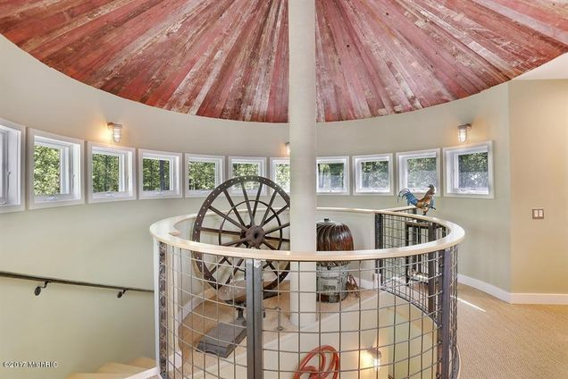 Beautiful Stanley Tigerman Designed Home In New Buffalo Michigan Features Silo Inspired Archit Contemporary Country Home Architectural Inspiration New Buffalo