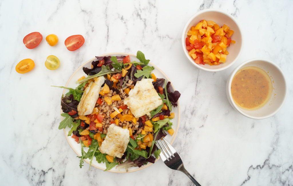 Gezonde maaltijd lichte maaltijdsalade salade met spelt