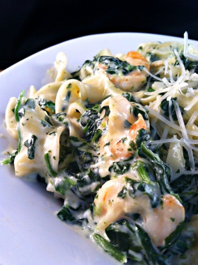 Super Easy Recipe:  Shrimp & Spinach Pasta in a Garlic Cream Sauce