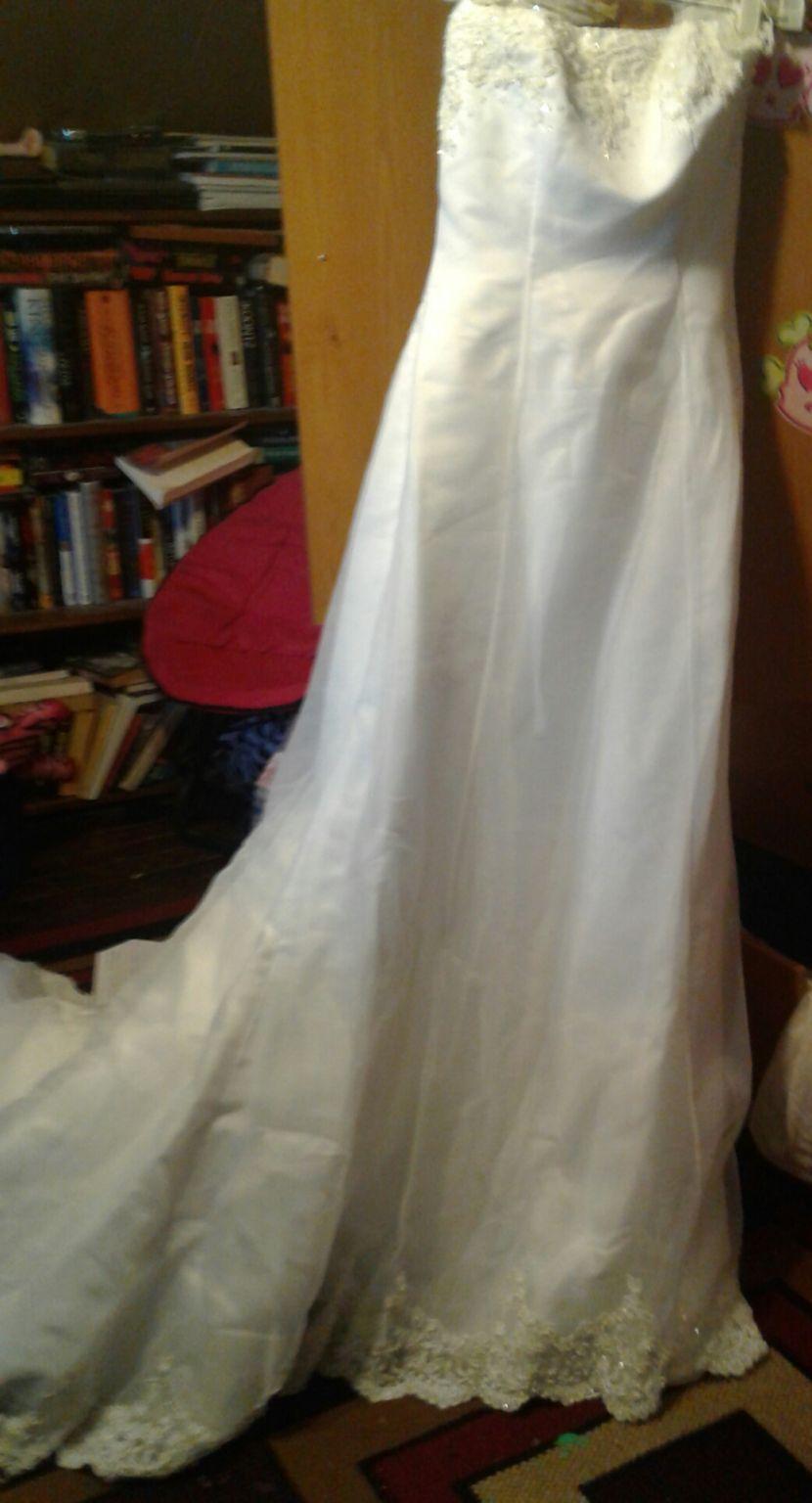 Wedding dresses used  Michaelangelo Donut know   beauty  Pinterest