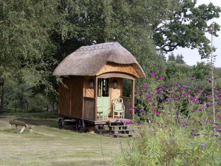 Kit Kemp Unveils Her Charming Shepherd S Hut Katie Considers Shepherds Hut Backyard Cottage Hut